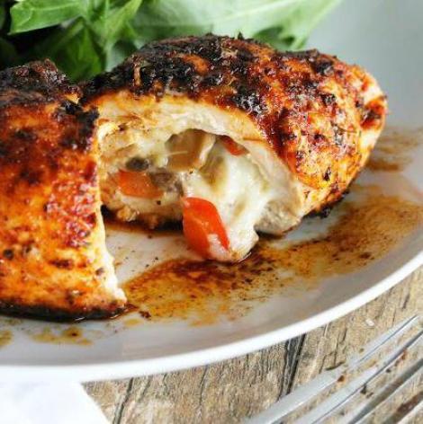 Филе бедер курицы фаршированные сыром, сладким перцем духовка.