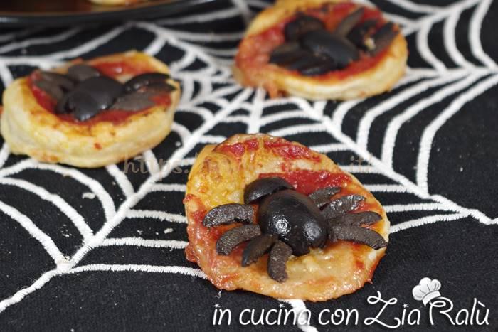Pizzette ragno – Antipasto per Halloween