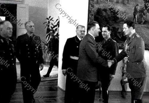 Maresalul Antonescu, Joachim von Ribbentrop, Otto Meissner, Adolf Hitler, col. Radu Davidescu, lt. col. adj. Romeo Zaharia - Klessheim, 12 apr 1943