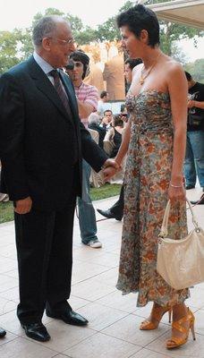 https://i0.wp.com/www.ziaristionline.ro/wp-content/uploads/2013/09/Iliescu-si-Dragotescu-egal-Love-adica-Liublu-tibia.jpg