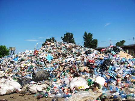 Stație de procesare a deșeurilor din mase plastice, la Roman
