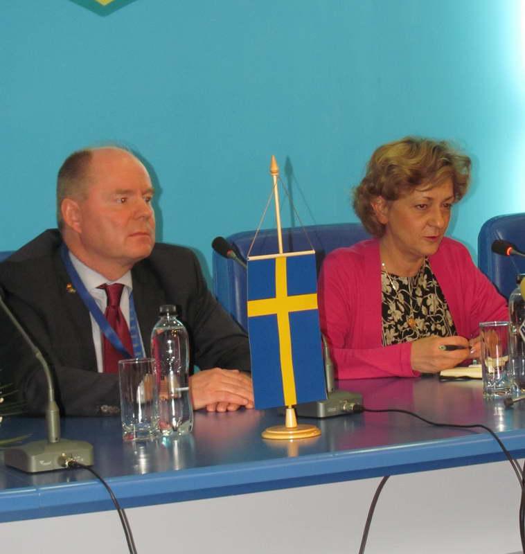 Ambasadorul Suediei la București, Anders Bengtcén, și ambasadorul României în Regatul Suediei, Răduța Matache