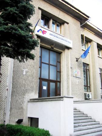 250 de firme din Roman cer plata TVA la încasare
