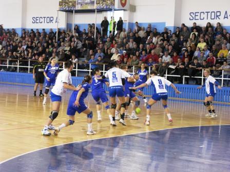 Victorie muncită a handbalistelor romașcane