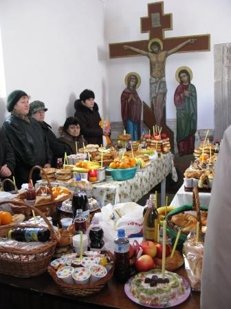 Bisericile au fost luate cu asalt de sărmani