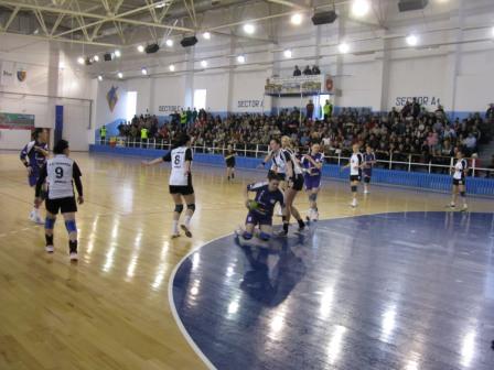 Handbalistele romașcane au obținut un succes mare în fața brăilencelor