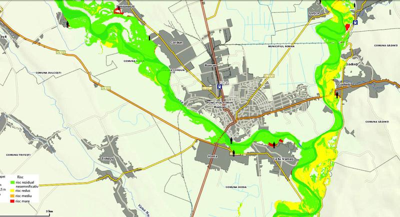 Risc major de inundaţii în zona Romanului
