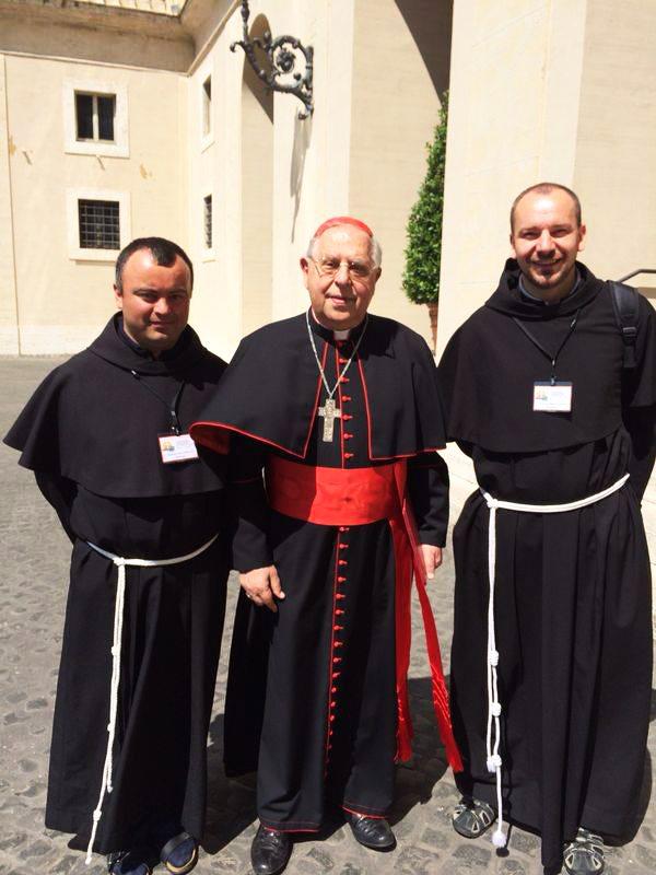 """Papa Francisc susţine rromii de la Fundaţia """"Pacea"""""""