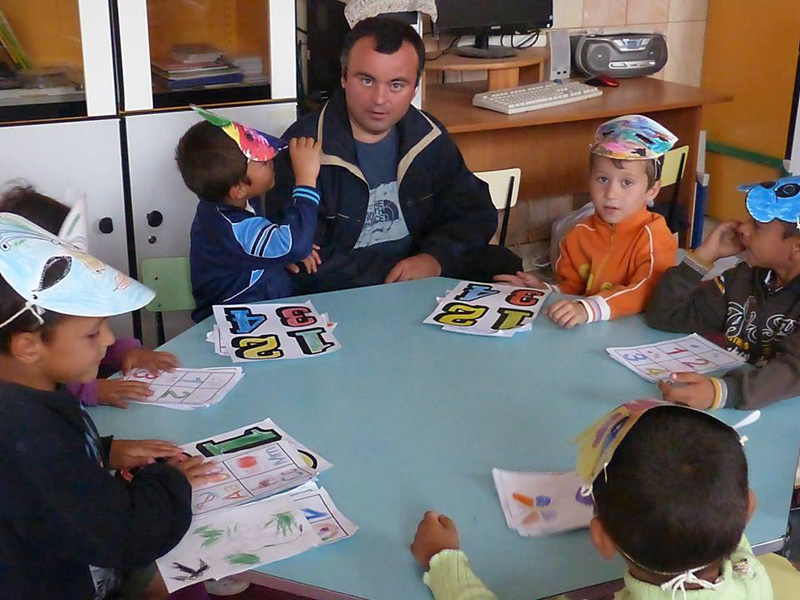 """Şcoală de Vară la Fundaţia Umanitară """"Pacea"""""""