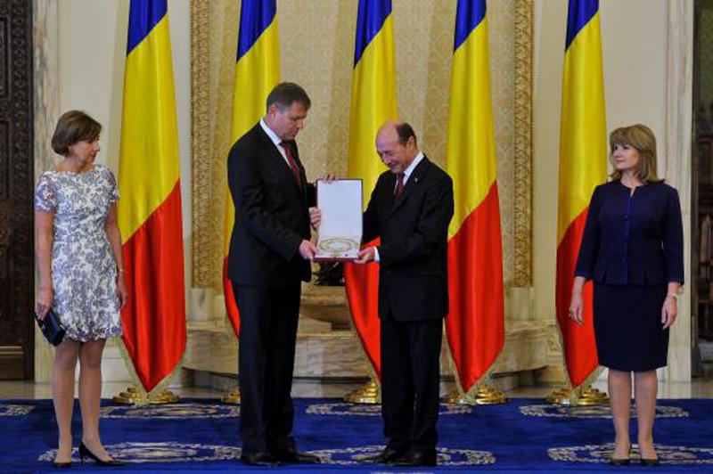 Un romaşcan a cântat la Cotroceni imnul României | Valentin Astănculesei, invitatul președintelui Klaus Iohannis