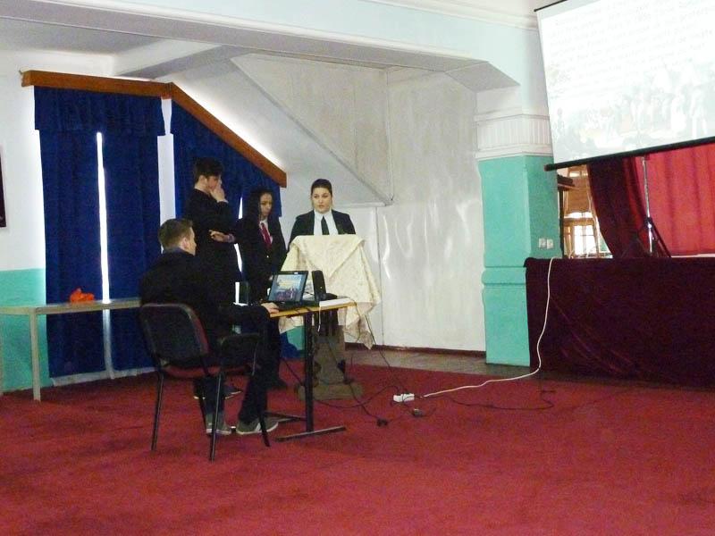 """Elevii de la Seminarul ortodox au sărbătorit """"Mica Unire"""""""