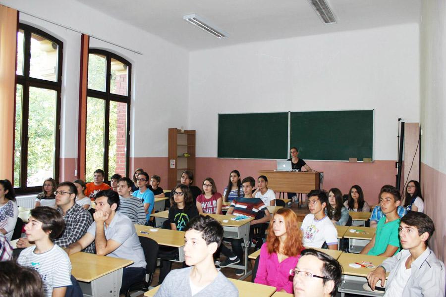 """Şcoala de vară """"Google for Education"""", la """"Roman-Vodă"""""""