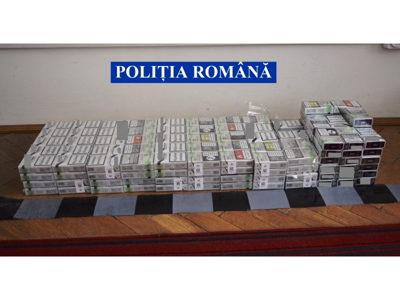 Prinşi cu țigări şi haine de contrabandă