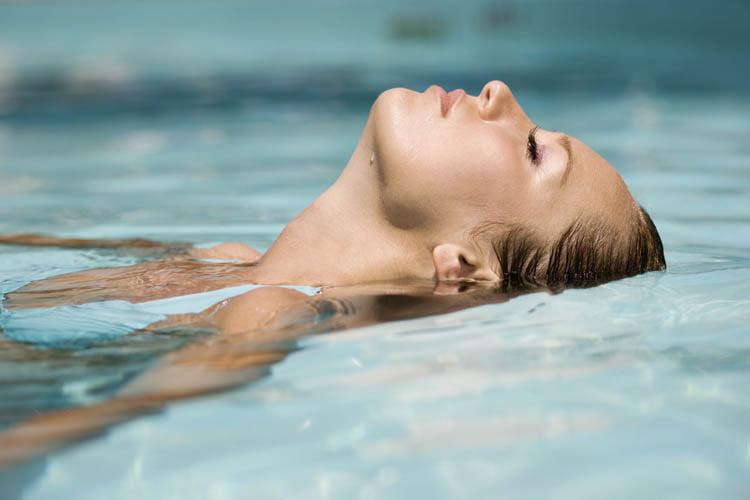 Hidrokinetoterapia – soare, apă şi mişcare pentru un organism sănătos