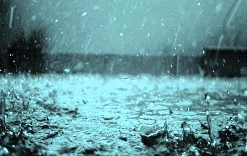 Vreme deosebit de rece, cu ploi și vânt puternic, până vineri dimineață