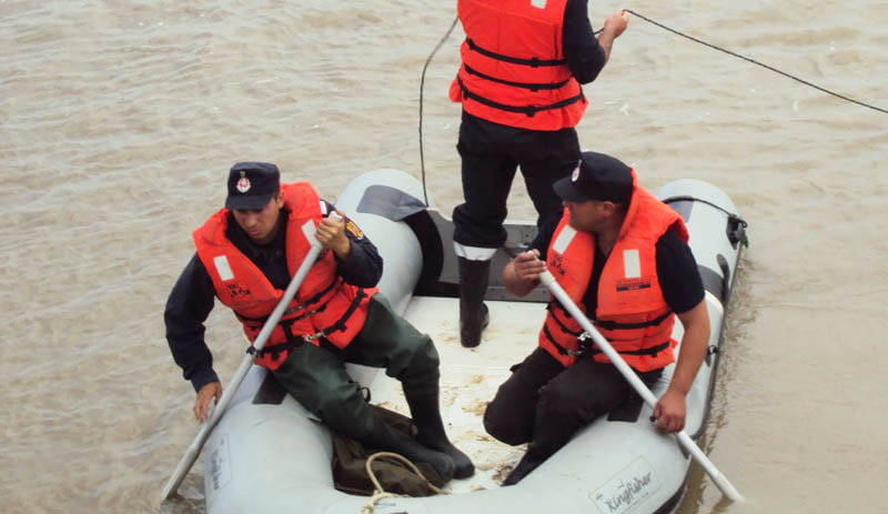 Trupul unui tânăr înecat în Siret, găsit luni dimineață