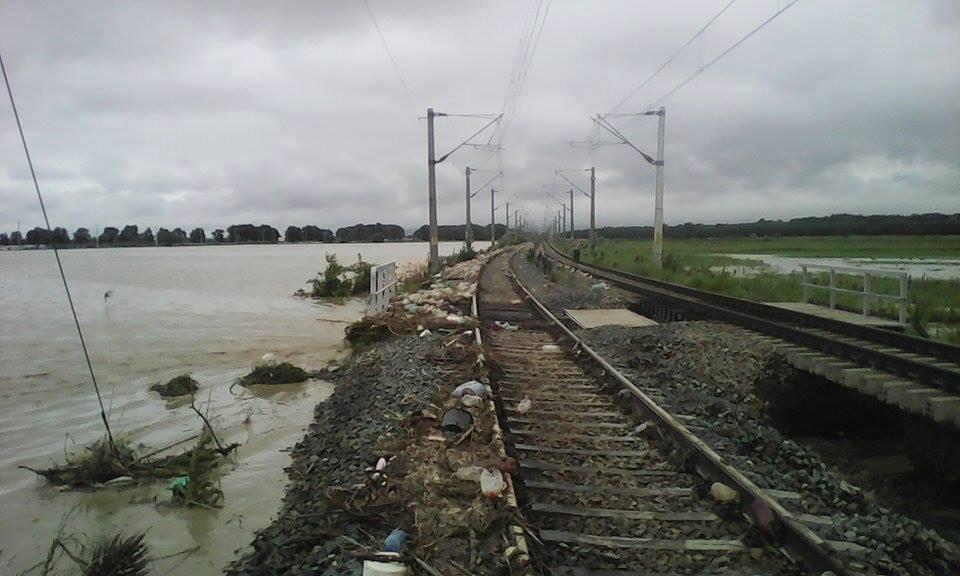 UPDATE: CFR a redeschis traficul feroviar în judeţul Vrancea