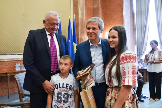 oaspeti copii DGASPC Neamt premier Ciolos 08
