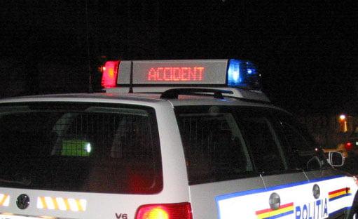 Accident rutier cu trei răniți, la Doljești