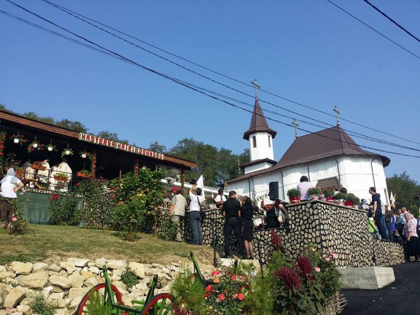 Bani de la CJ Neamț pentru Parohia Ion Creangă și pentru Mănăstirea Giurgeni