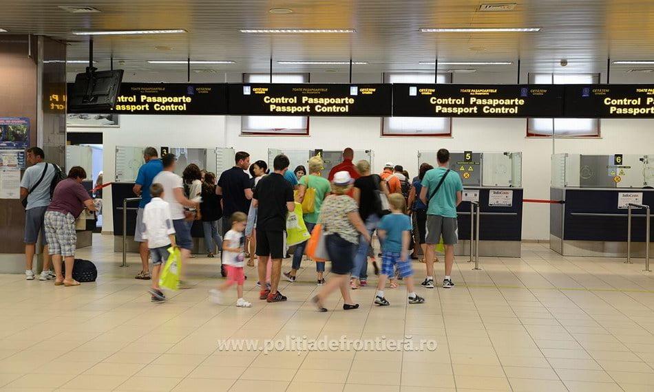Proceduri simplificate pentru ieşirea din ţară a minorilor