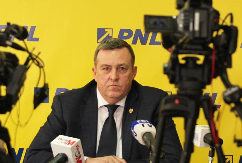 """Senatorul PNL Eugen Țapu: """"Doar moțiunea de cenzură mai poate salva România de propriul Guvern"""""""