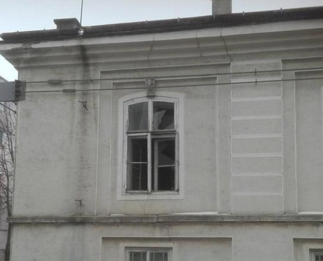 Geamurile sparte de la Casa Celibidache au fost schimbate