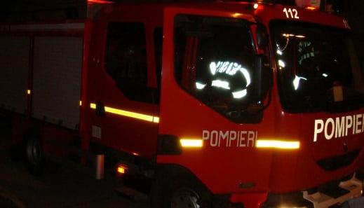 Incendiu la un depozit de furaje din Averești