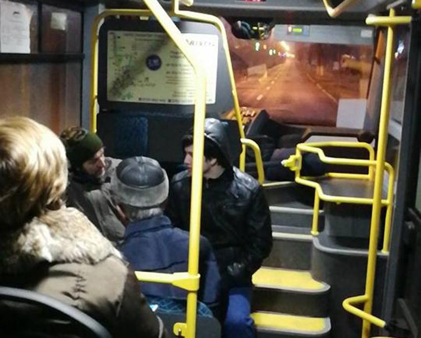 Primarul a mers la serviciu cu transportul public în comun
