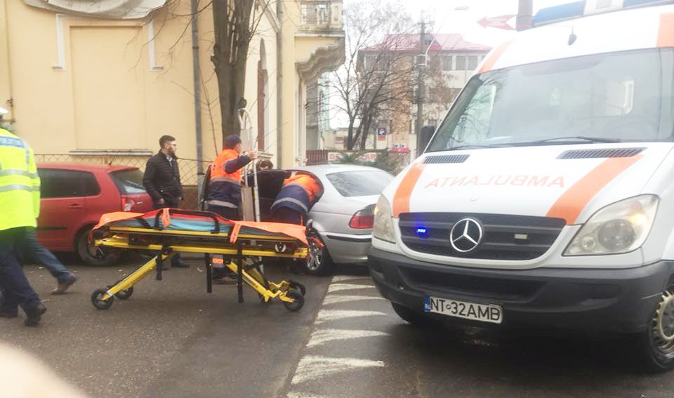 Un tânăr a ajuns la spital, după un accident petrecut pe strada Cuza Vodă