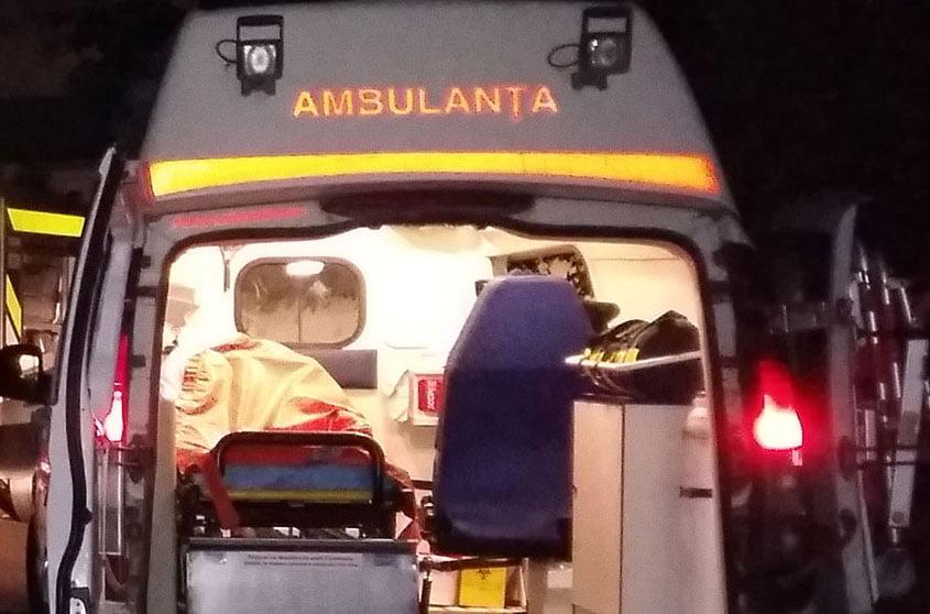 Accident rutier pe E 85, la Traian. Un tir s-a răsturnat în șanț