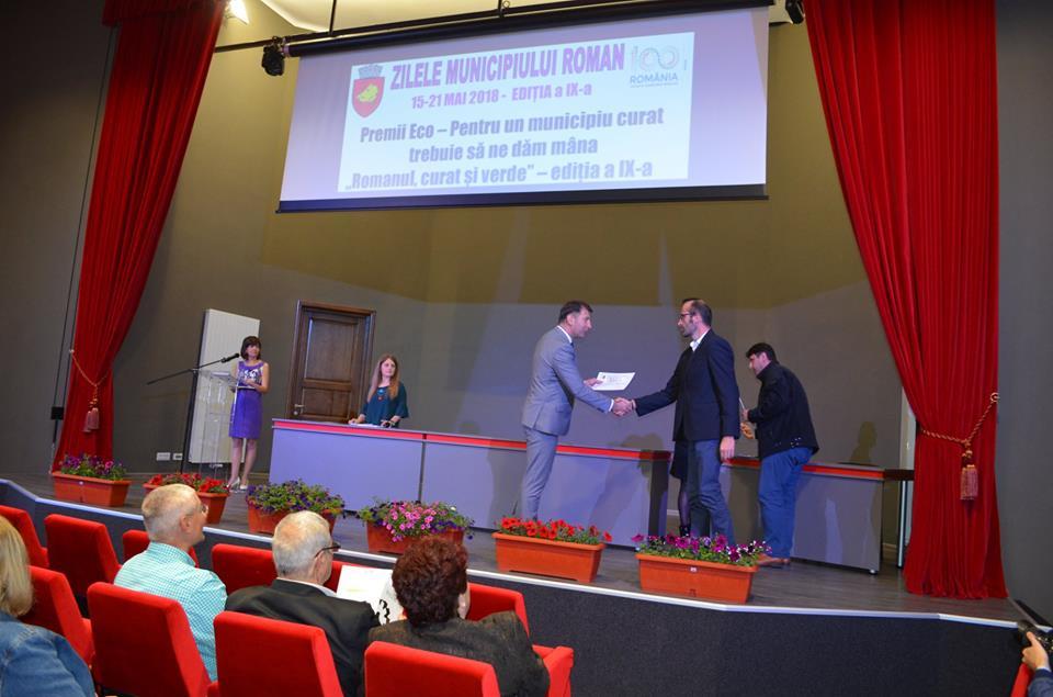 """Premianții ediției din acest an ai concursului de curățenie """"Romanul, curat și verde"""""""
