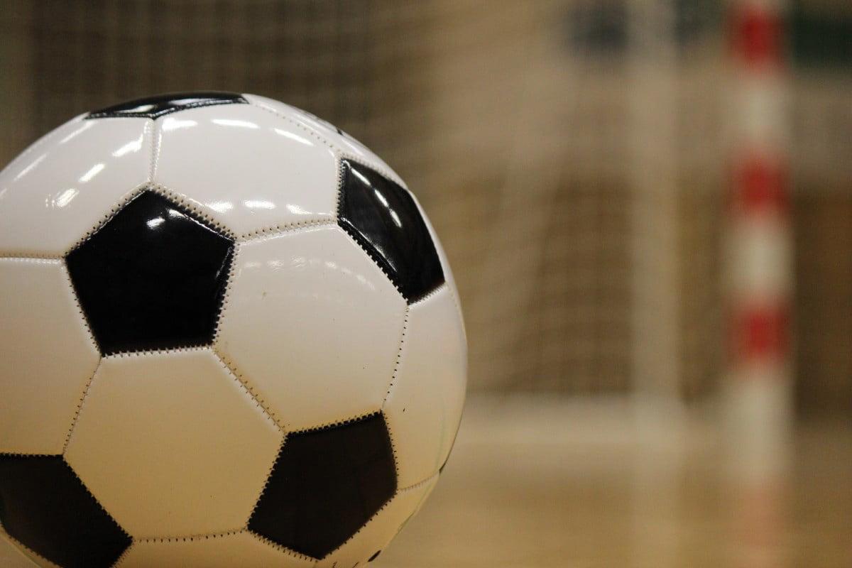 Preselecție pentru fotbaliștii juniori, la Sala Sporturilor din Roman