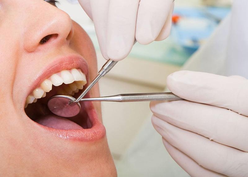 20 martie, Ziua mondială a sănătății orale. În Neamț își desfășoară activitatea 300 de medici dentiști