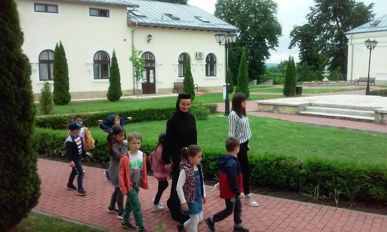 """Parteneriat între Grădinița """"Episcop Melchisedec"""", Școala Primară și Grădinița """"Hansel und Grethel"""" din Iași"""