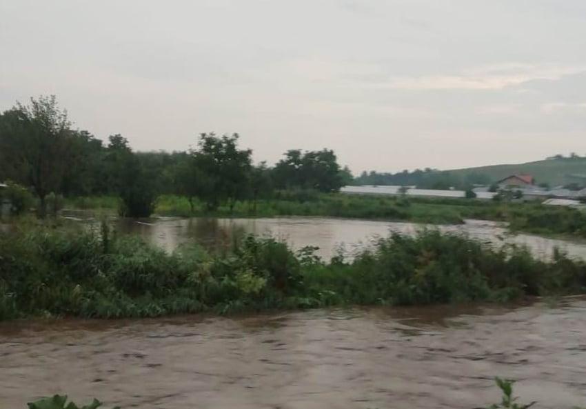 Bani de la Guvern pentru lucrări de prevenire a inundațiilor, în comunele Doljești și Ion Creangă