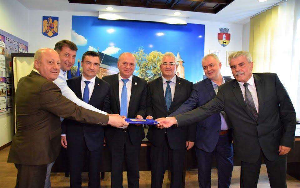 """Romanul face parte oficial din Asociația """"Moldova se dezvoltă"""""""