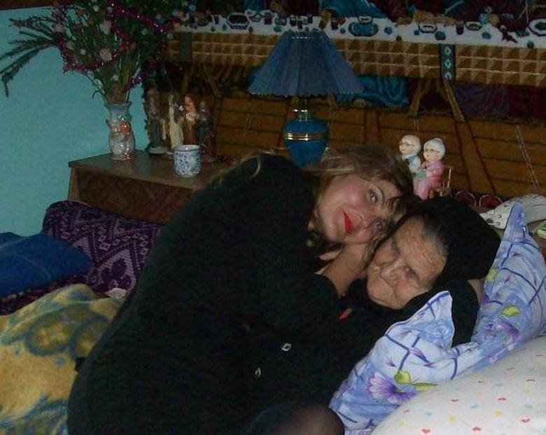 Te simți iubit de mama ta? – guest post Cristina Gherghel