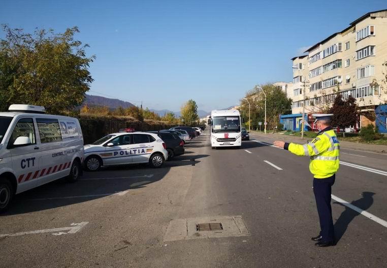 Peste 200 de persoane sancționate joi de polițiști, pentru nerespectarea măsurilor de protecție