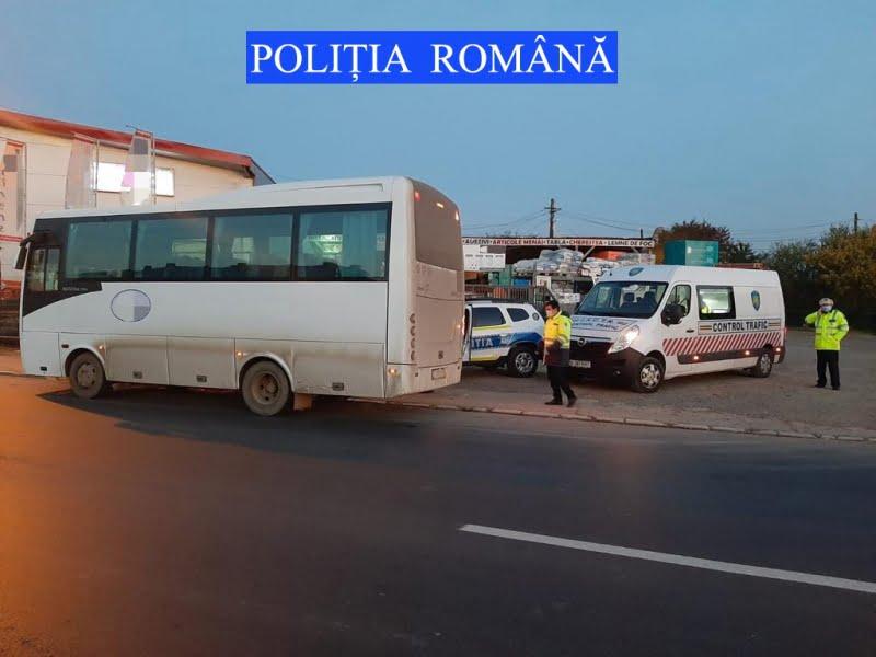 Controale ale polițiștilor pe E 85, la Horia, asupra transportatorilor de persoane