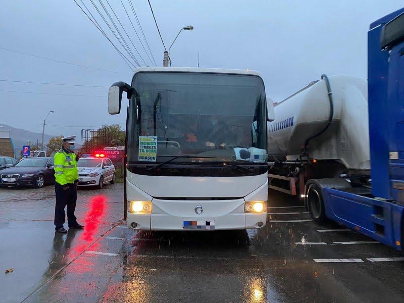 Transportatorii de persoane și de mărfuri, verificați marți de polițiști