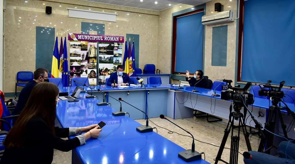 """Primarul Achiriloaei către presă: """"Puneți maximum două întrebări de jurnalist, pe subiecte diferite!"""""""