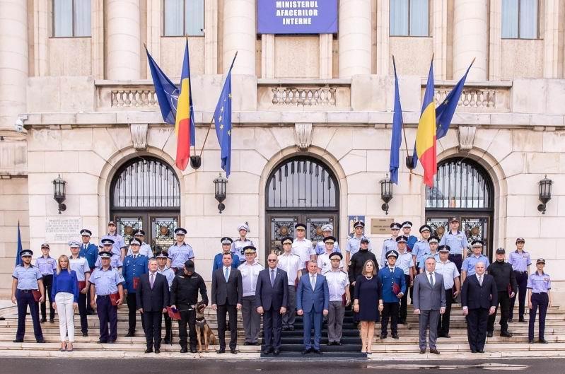 Polițiști din Neamț distinși cu Emblema de onoare a Ministerului Afacerilor Interne