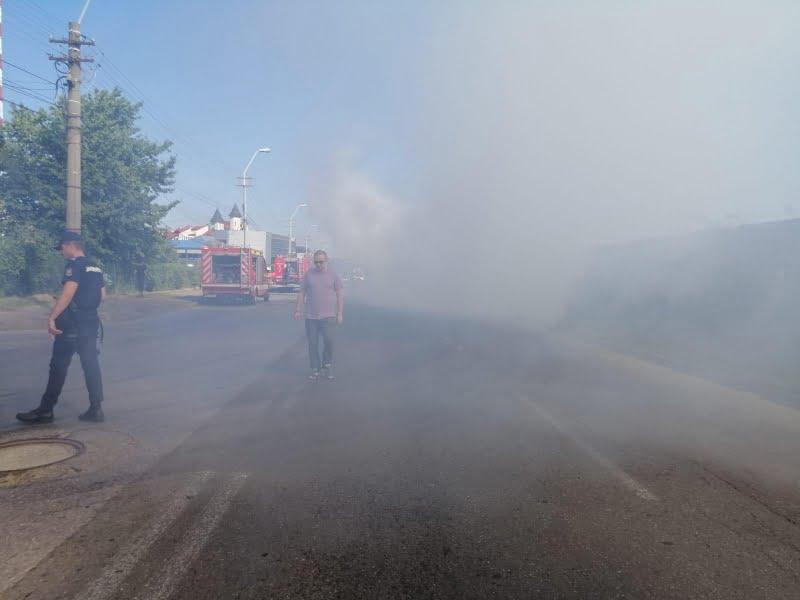 Un polițist romașcan aflat în timpul liber a intervenit pentru stingerea unui incendiu