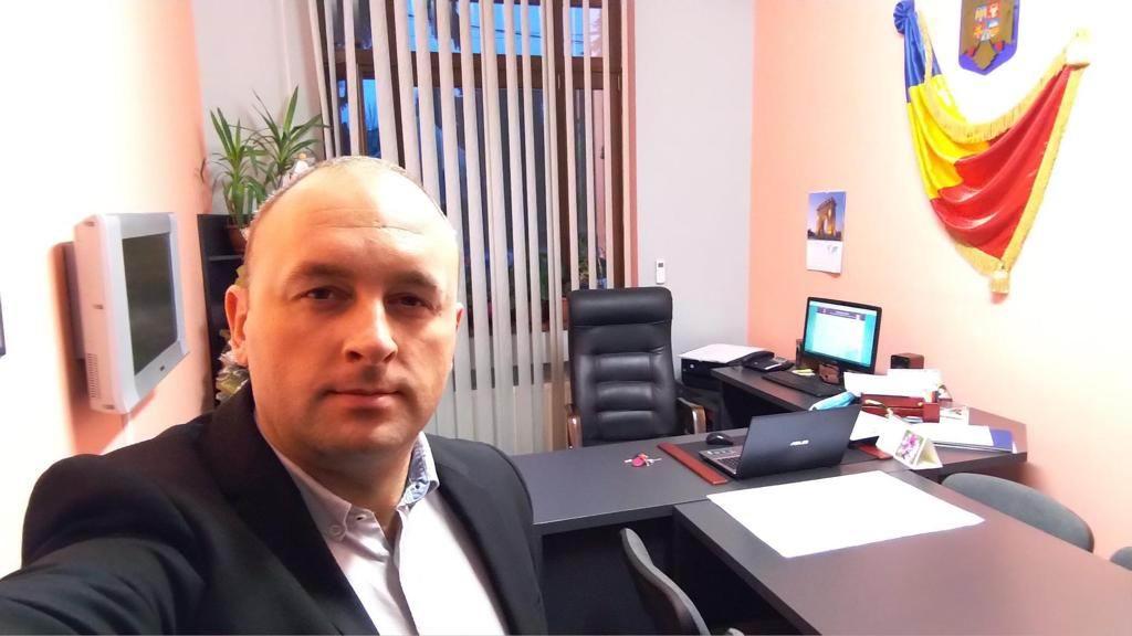 Viceprimarul Radu Samson ia în politică munca din administrație