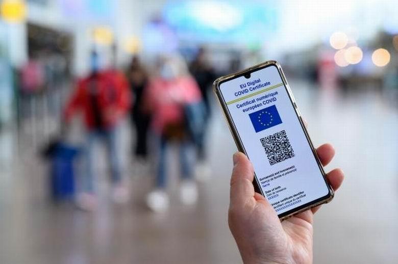 Restricții noi în Roman: certificat verde COVID-19 pentru accesul în restaurante, baruri și cafenele. Masca obligatorie în Piatra Neamț