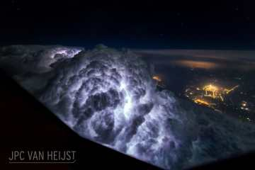 Il fascino dei temporali visti da sopra