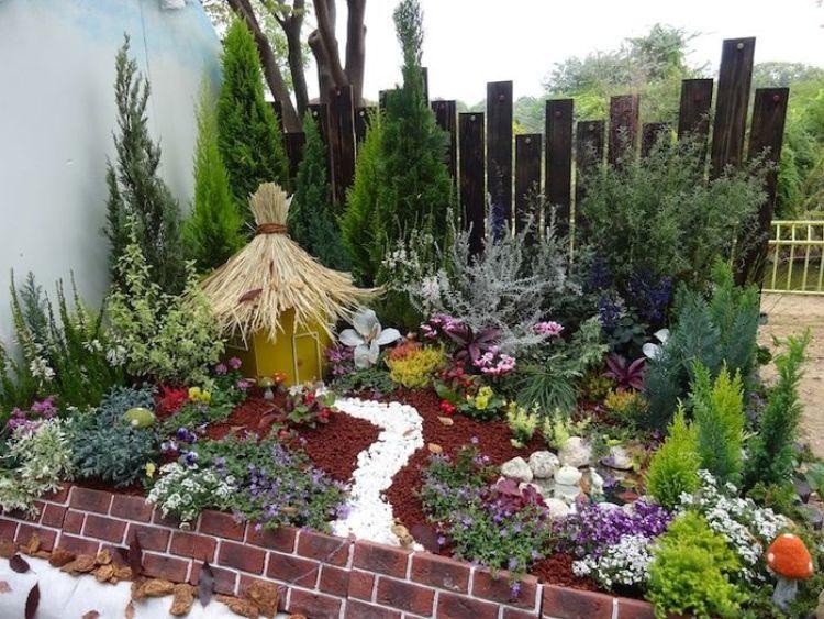 particolare di un giardino