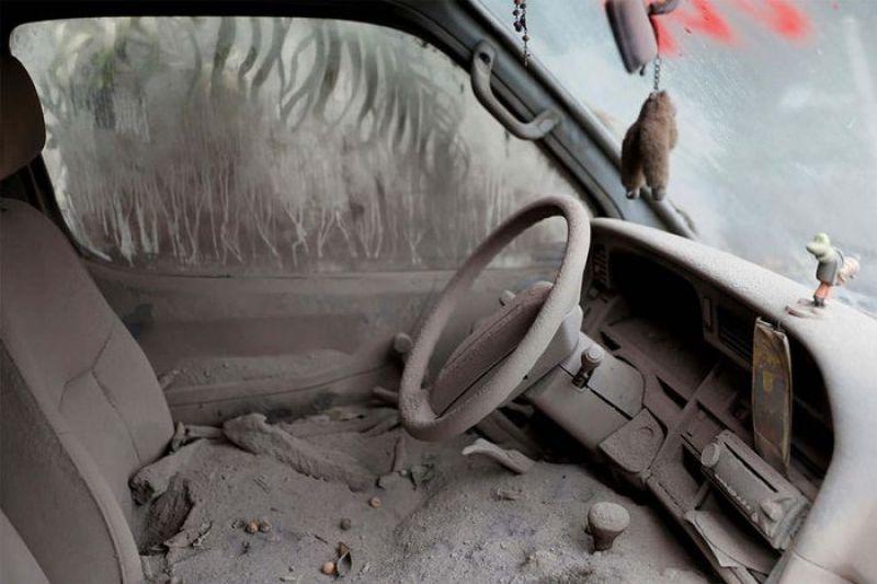 Le inquietanti immagini dell'eruzione del vulcano del Fuego in Guatemala