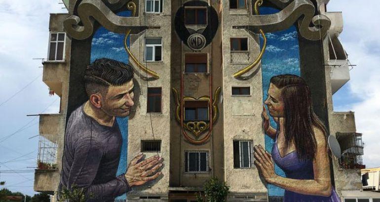 I grandi murales di WD che affascinano gli abitanti di Atene e non solo
